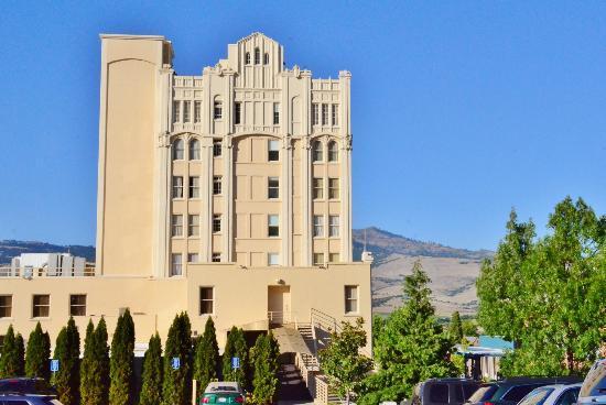 Ashland Springs Hotel: Back of hotel