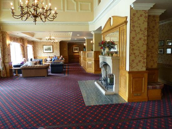 Tummel Bridge, UK: reception area