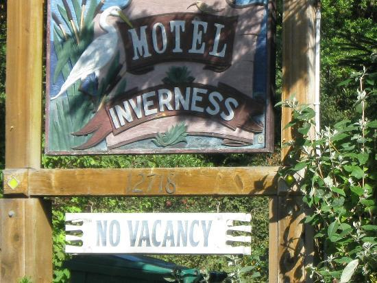 Motel Inverness: Motel sign on the Road