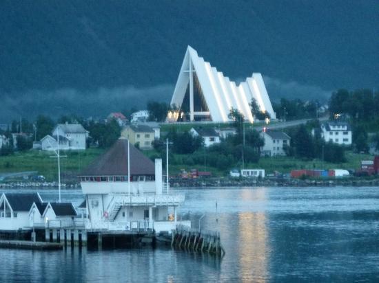 Clarion Collection Hotel With: Aussicht vom Zimmer auf die Eismeerkathedrale in der Nacht
