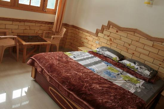 Tourist Nest Old Manali: Upper floor of duplex