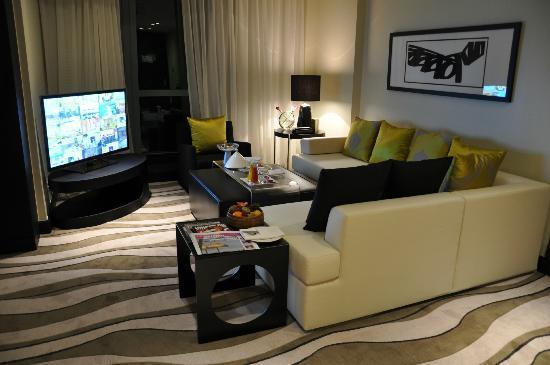 Sofitel Abu Dhabi Corniche: living area