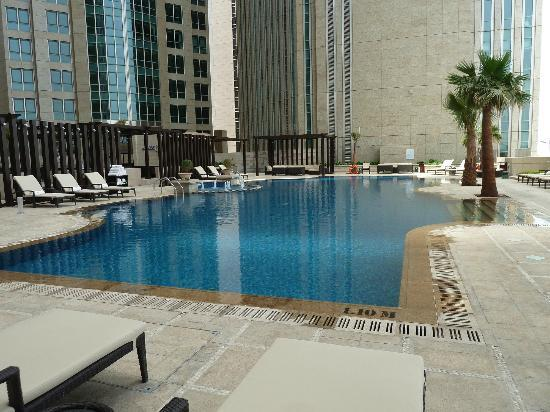 Sofitel Abu Dhabi Corniche: Pool, SO chic