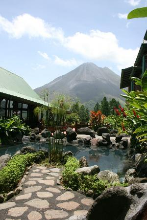 Arenal Observatory Lodge & Spa: View from the lobby area but the same view as our room