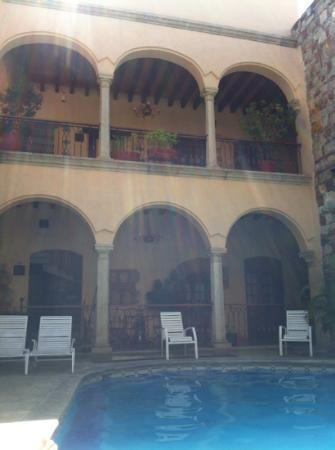 Hotel CasAntica: view on the swimming pool