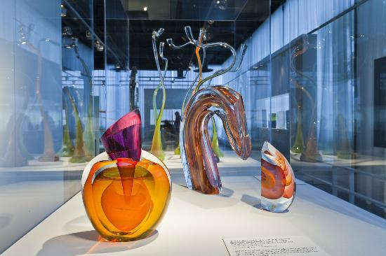 ‪‪Corning‬, نيويورك: Contemporary Glass at The Corning Museum of Glass‬