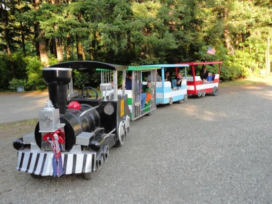 Bandon/Port Orford KOA: Free nightly 'train' ride was a HIT!