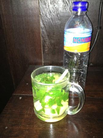 Ubud Sari Health Resort: Herbal tea at your door, 5:30 a.m.