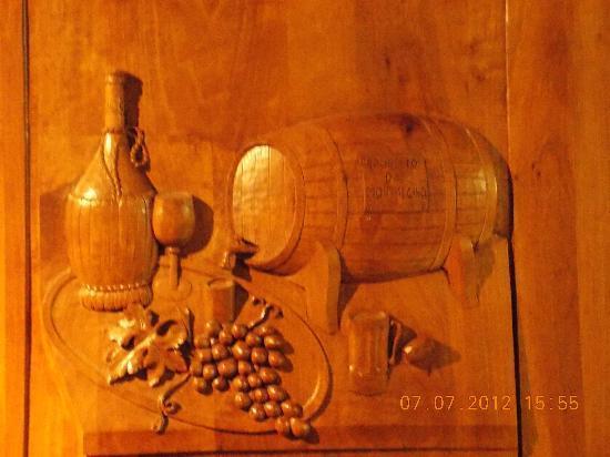 Tarara Winery: love the wood carving