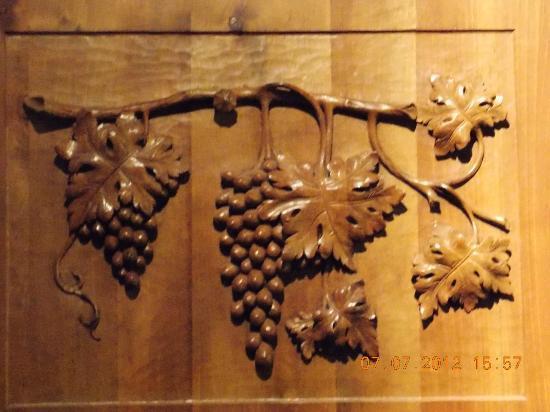 Tarara Winery: my favorite wood carving