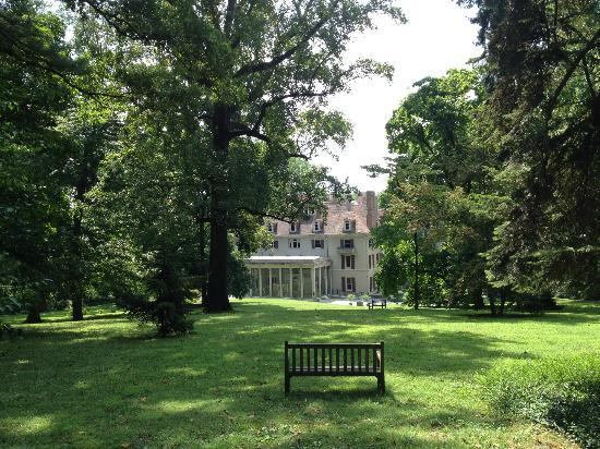DuPont Home and Gardens - Picture of Winterthur Museum, Garden ...