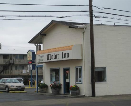 University inn corvallis updated 2017 hotel reviews for Town house motor inn