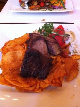 Rose Restaurant : pork tenderloin with chips