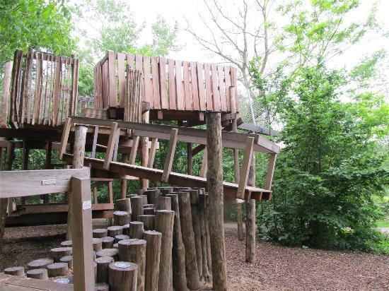 Vondelpark Play Structure Treehouse