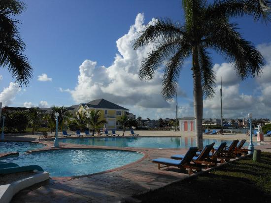 Sandyport Beach Resort: pool area again