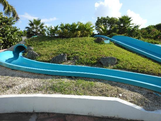 Sandyport Beach Resort: water slide