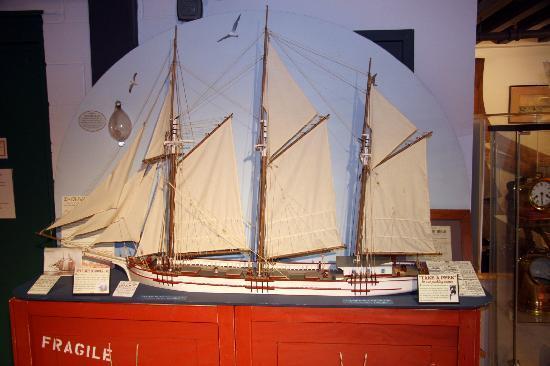 Port Dover Harbour Museum: Lake Schooner