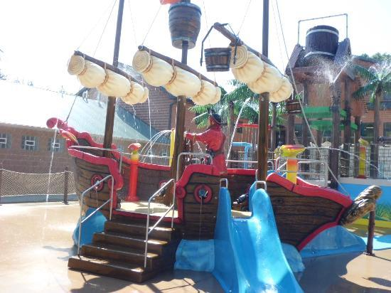 Yogi Bear's Jellystone Park: Pirate Ship at Water Lagoon
