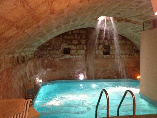 Masseria Fontanelle: Grotta con idromassaggio della spa