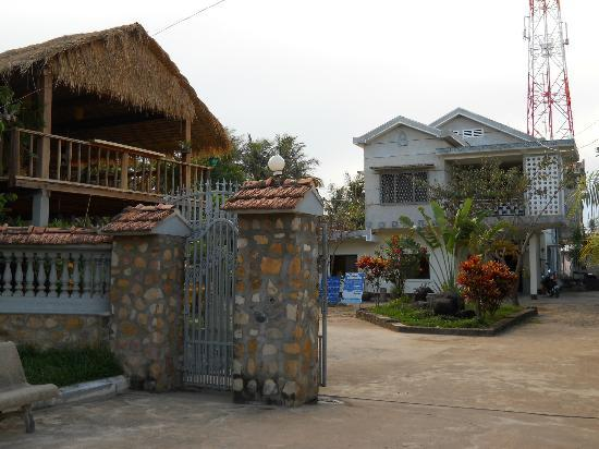 Pepper Guesthouse : Hotel & grounds