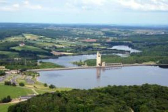 The Eau d'Heure Lakes: vu du ciel