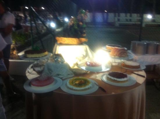 Hotel Gargano: buffet di dolci serata ferragosto