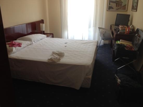 Blu Hotel Kaos: arredamento diverso dalle foto presenti sul sito