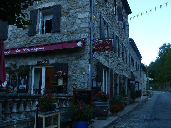 Antraigues-sur-Volane, Frankrike: L'Auberge La Castagno