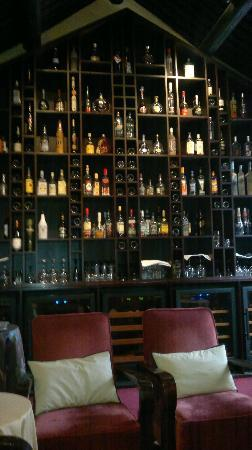 DuGe Boutique Hotel: Cigar & Wine Lounge