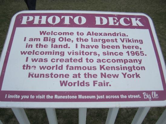 Big Ole Viking Statue: Photo deck plaque.