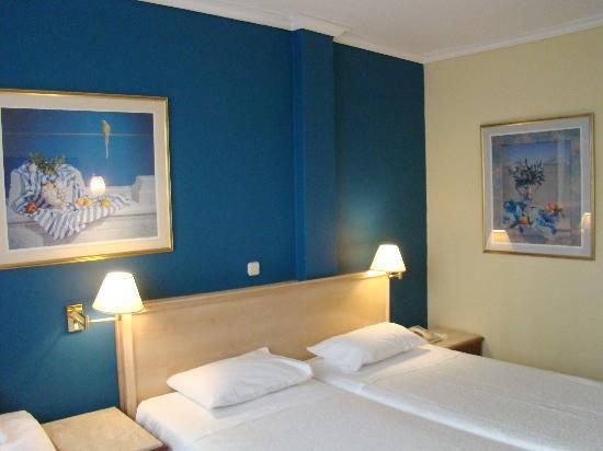 Titania Hotel: 4