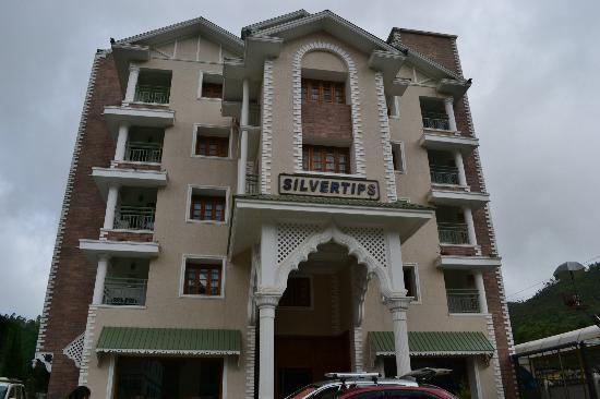 The Silver Tips Munnar: Hotel from outside