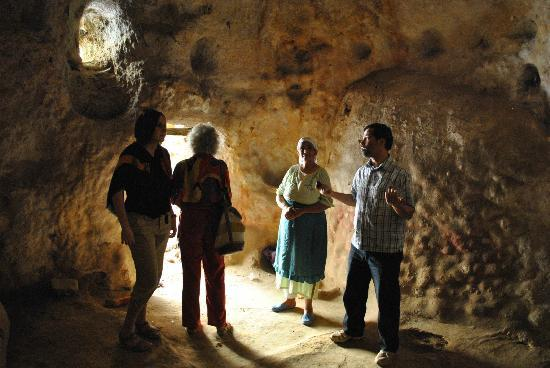 Dar KamalChaoui: Cave in Bhalil