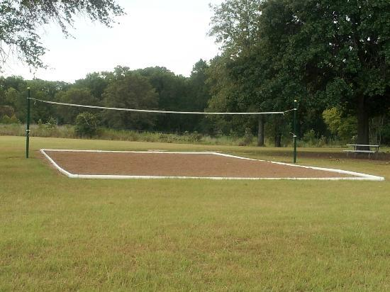 Fairfield, TX: Sand volleyball anyone??