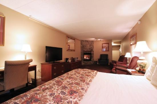 Fireside Inn & Suites: King Fireplace Suite