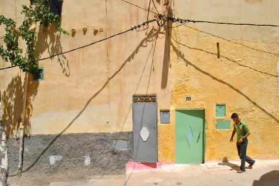 Dar KamalChaoui: Painted Houses in Bhalil