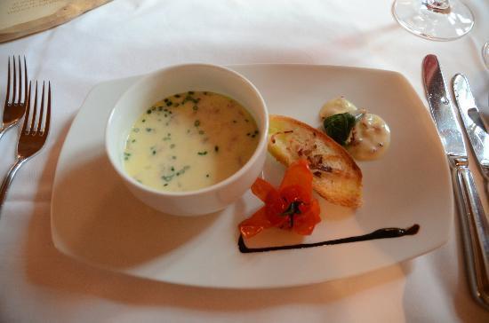 "Hotel Chesa Rosatsch: Repas au ""Stuvas"""