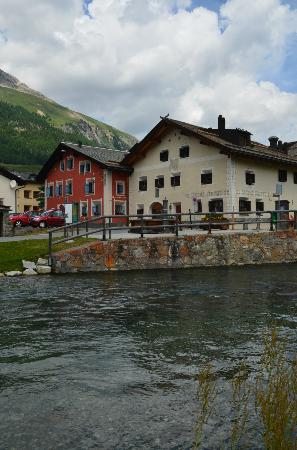 Hotel Chesa Rosatsch: Vue de l'hôtel