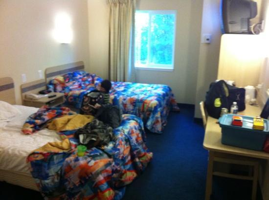 Motel 6 Peterborough: our room