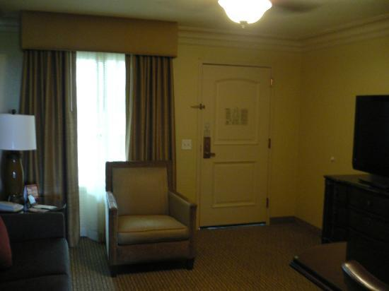 Embassy Suites by Hilton Sacramento - Riverfront Promenade: Room 805