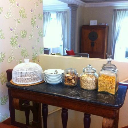 Casa Vela Guest House: La colazione