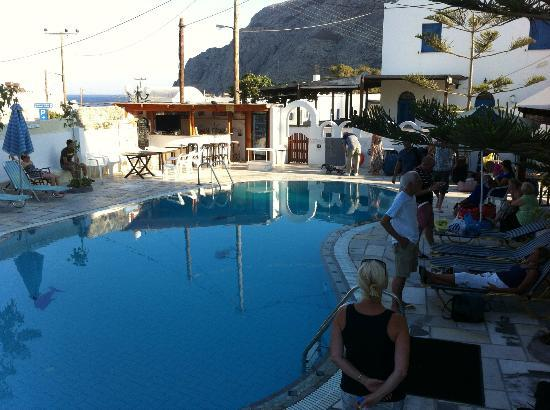 Sunflower Hotel: view of pool