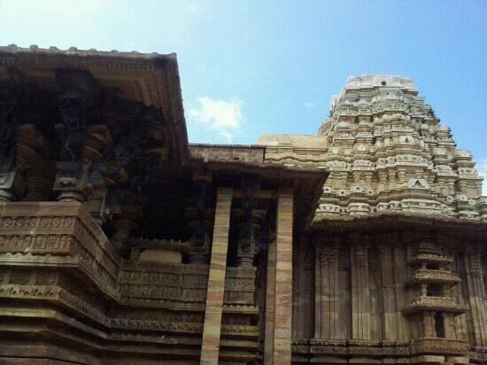 Warangal, الهند: bhadrakali temple 