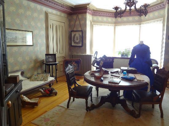 Beaconsfield Historic House: 2階