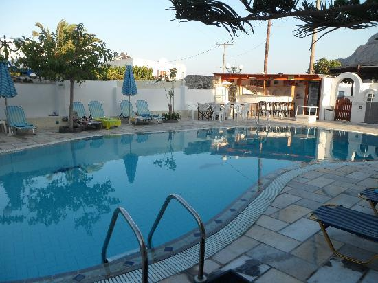 Sideris Sunflower Villa: View of pool