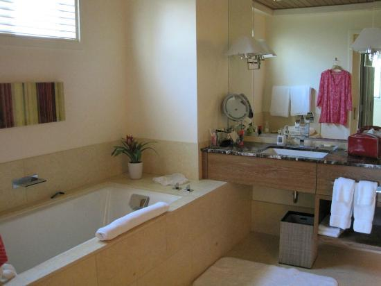 Rosewood Sand Hill: Master Bath