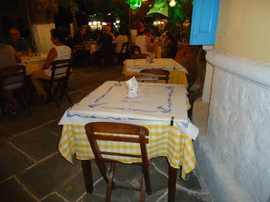Il Gelso: tavolo esterno