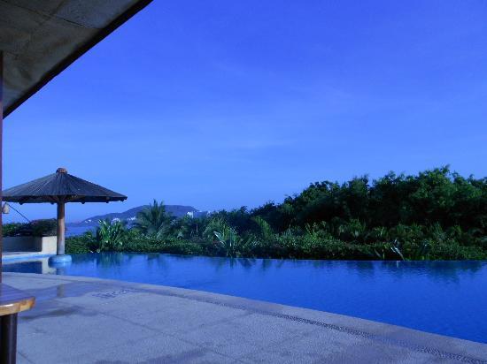 Pacifica Resort Ixtapa: Hay 7 albercas, aquí una de ellas