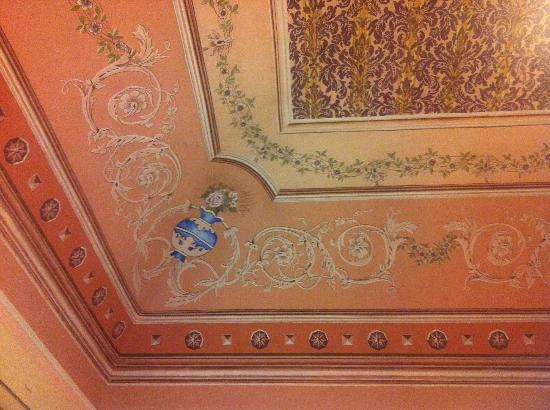 Charme B&B Alhambra : particolare del soffitto
