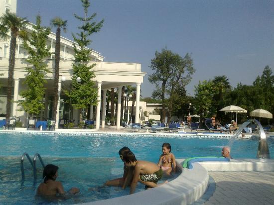 La Residence & Idrokinesis: Camminata bordo piscina.